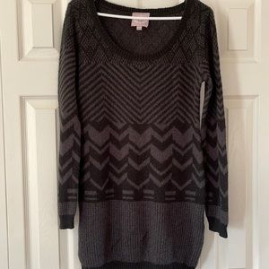 Romeo & Juliet Couture sweater size L🔥🔥